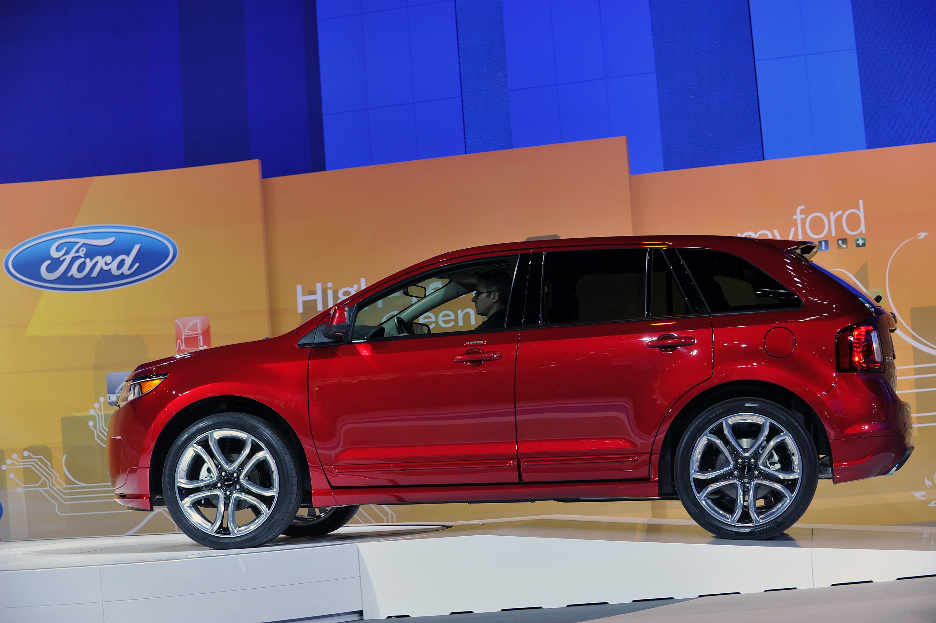 2011 ford edge sport debut at 2010 chicago auto show road reality. Black Bedroom Furniture Sets. Home Design Ideas
