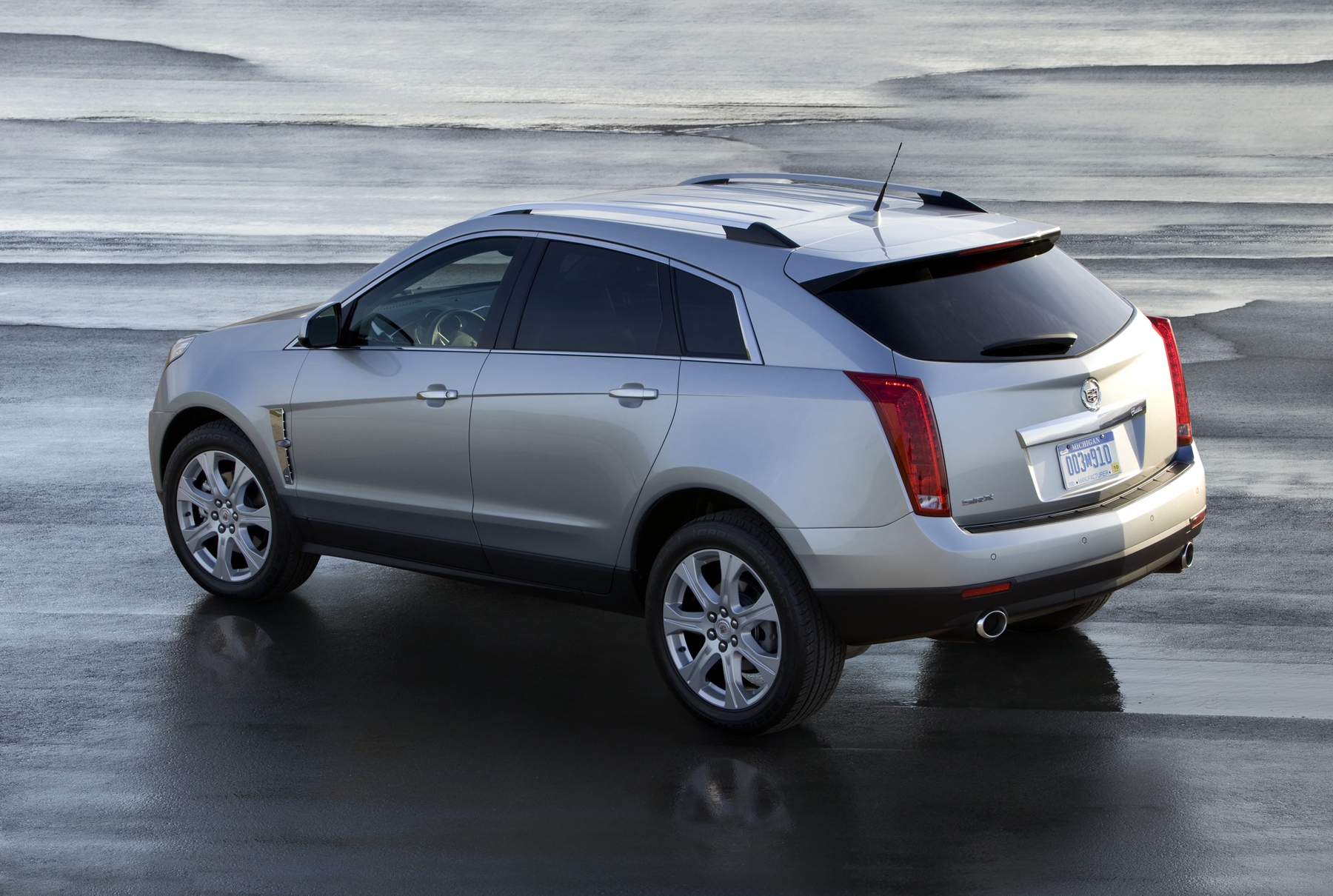 srx reviews review cadillac original photo and driver car s