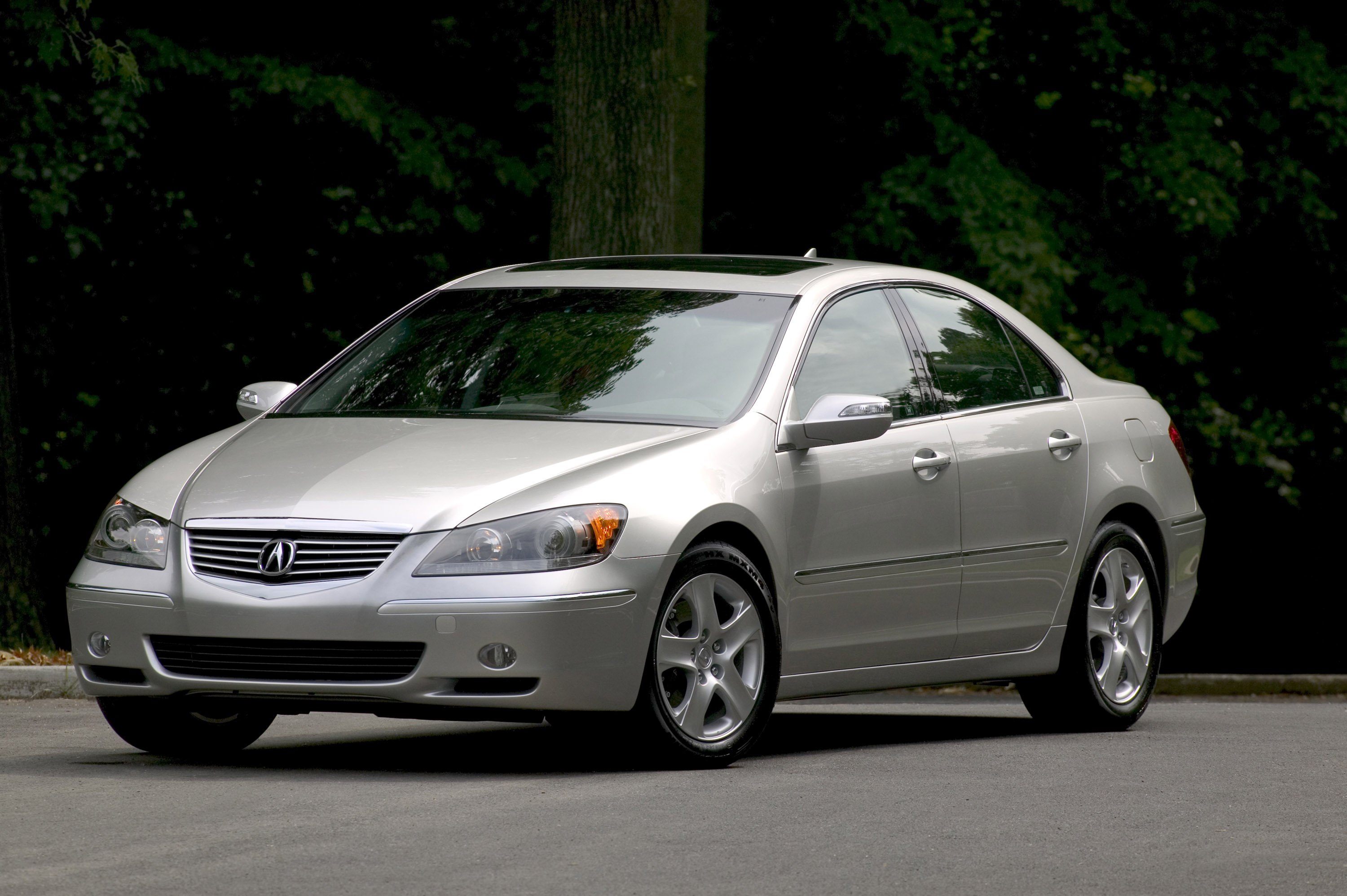 Would You Buy An Acura RL Over A TL?