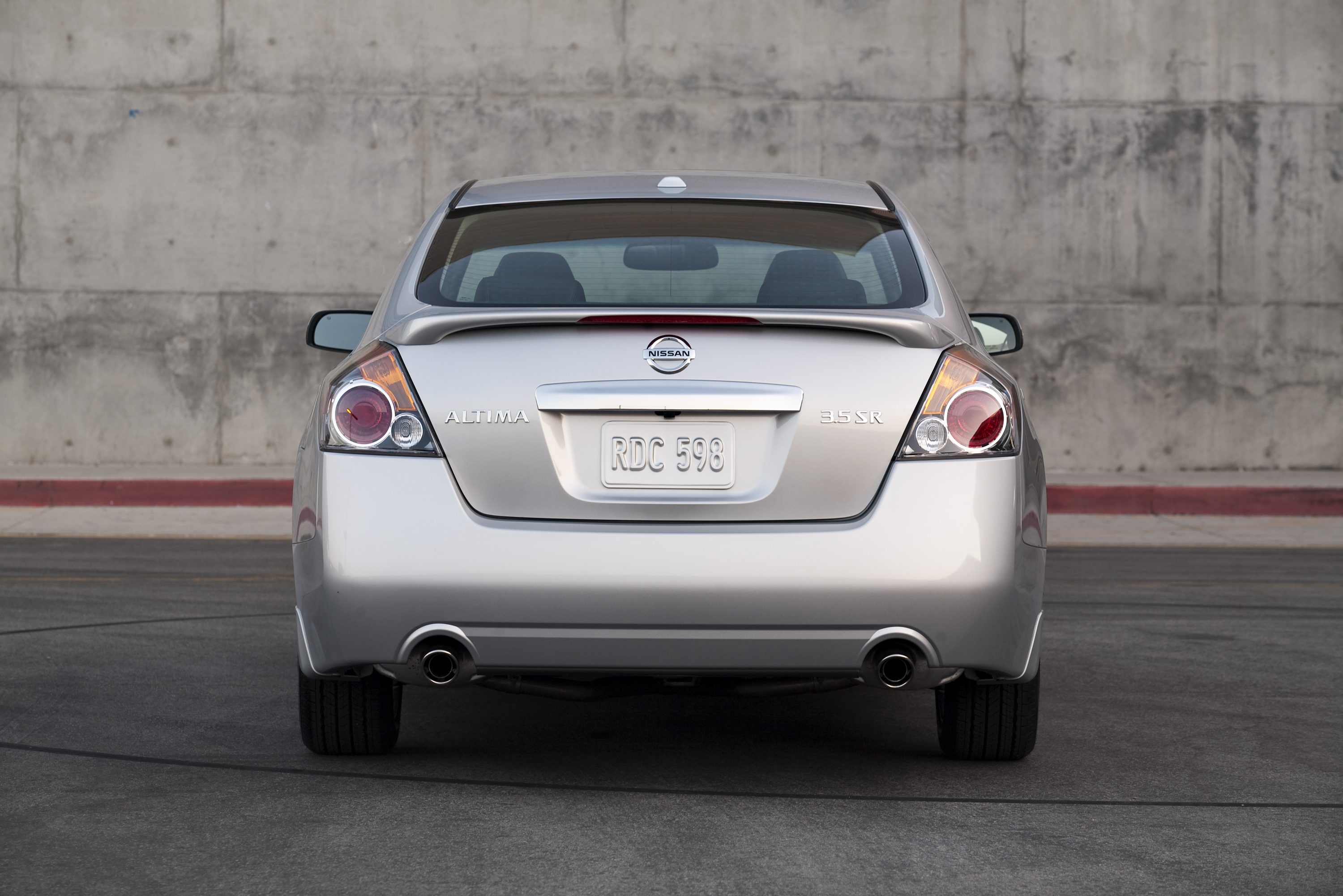 2011 Nissan Altima 05 171 Road Reality