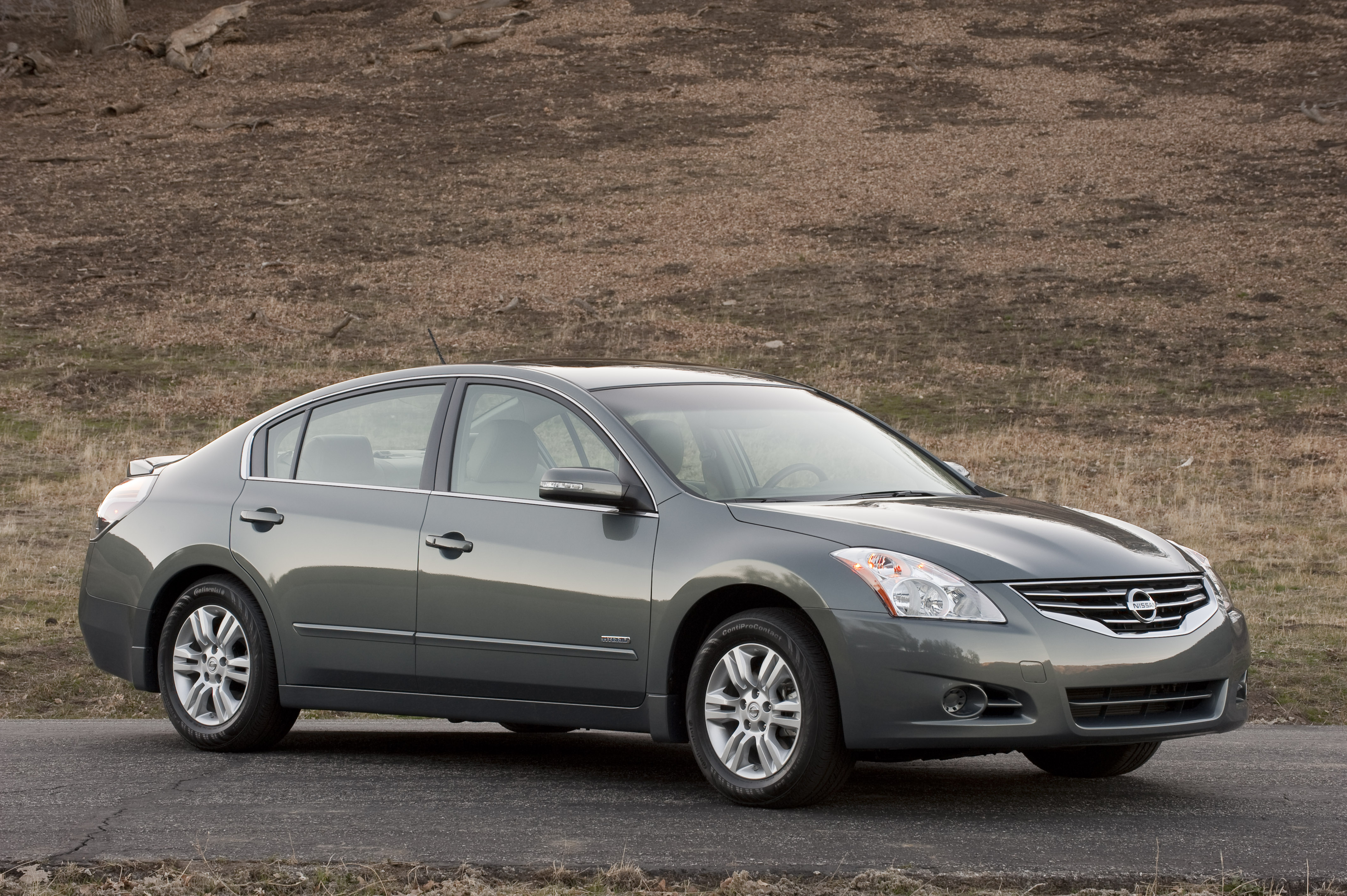 Nissan Altima Hybrid 2010 Road Reality