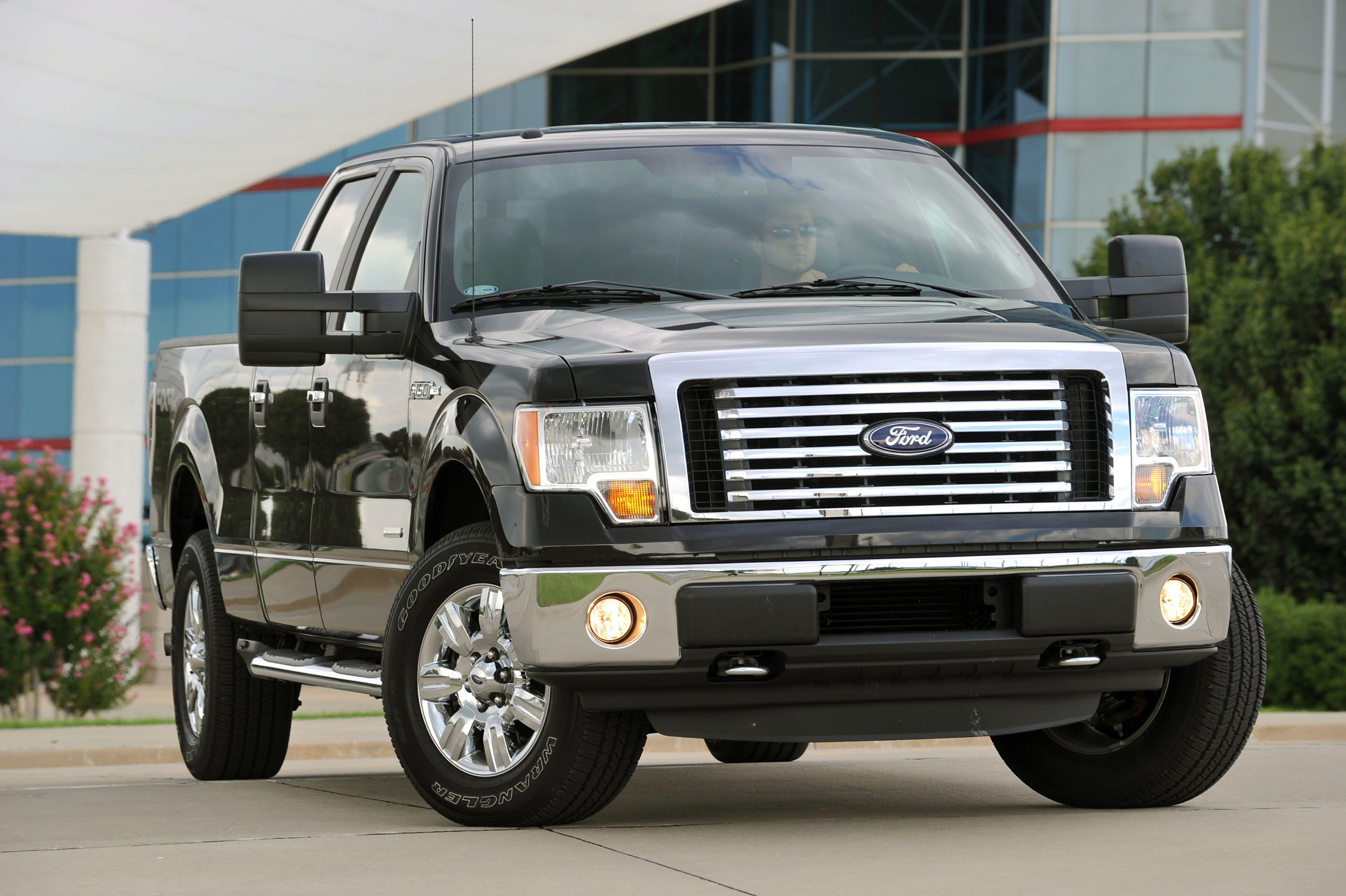 Ford releases fuel economy numbers for 2011 ford f 150 3 7 liter v6 gets 23 mpg