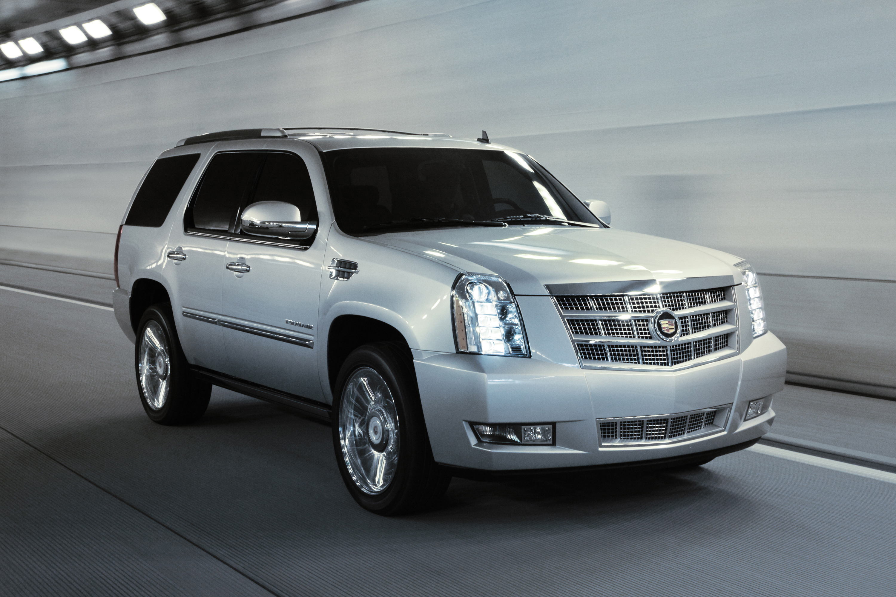 cadillac escalade gone in 14 seconds w video road reality. Black Bedroom Furniture Sets. Home Design Ideas