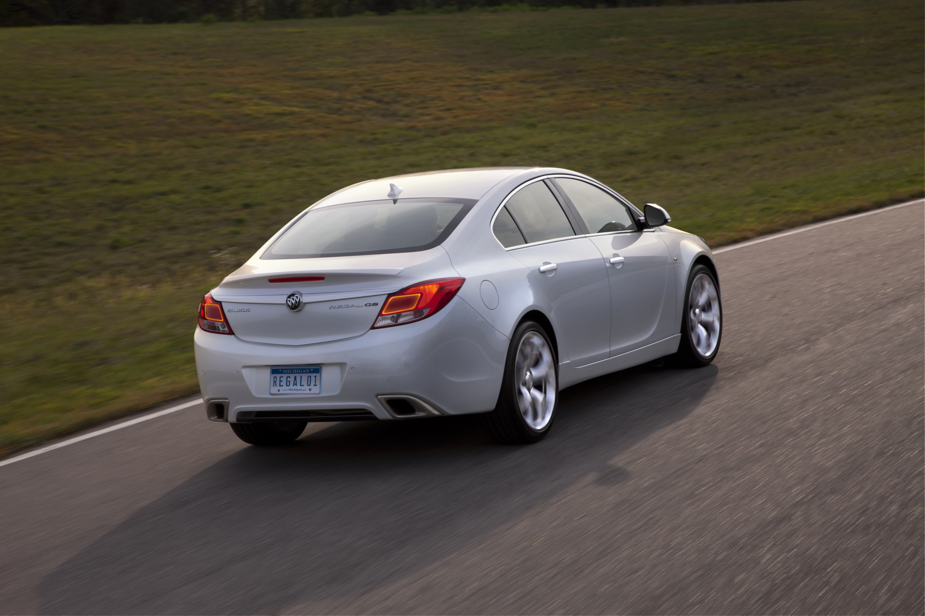 officially announced 2012 buick regal gs road reality. Black Bedroom Furniture Sets. Home Design Ideas