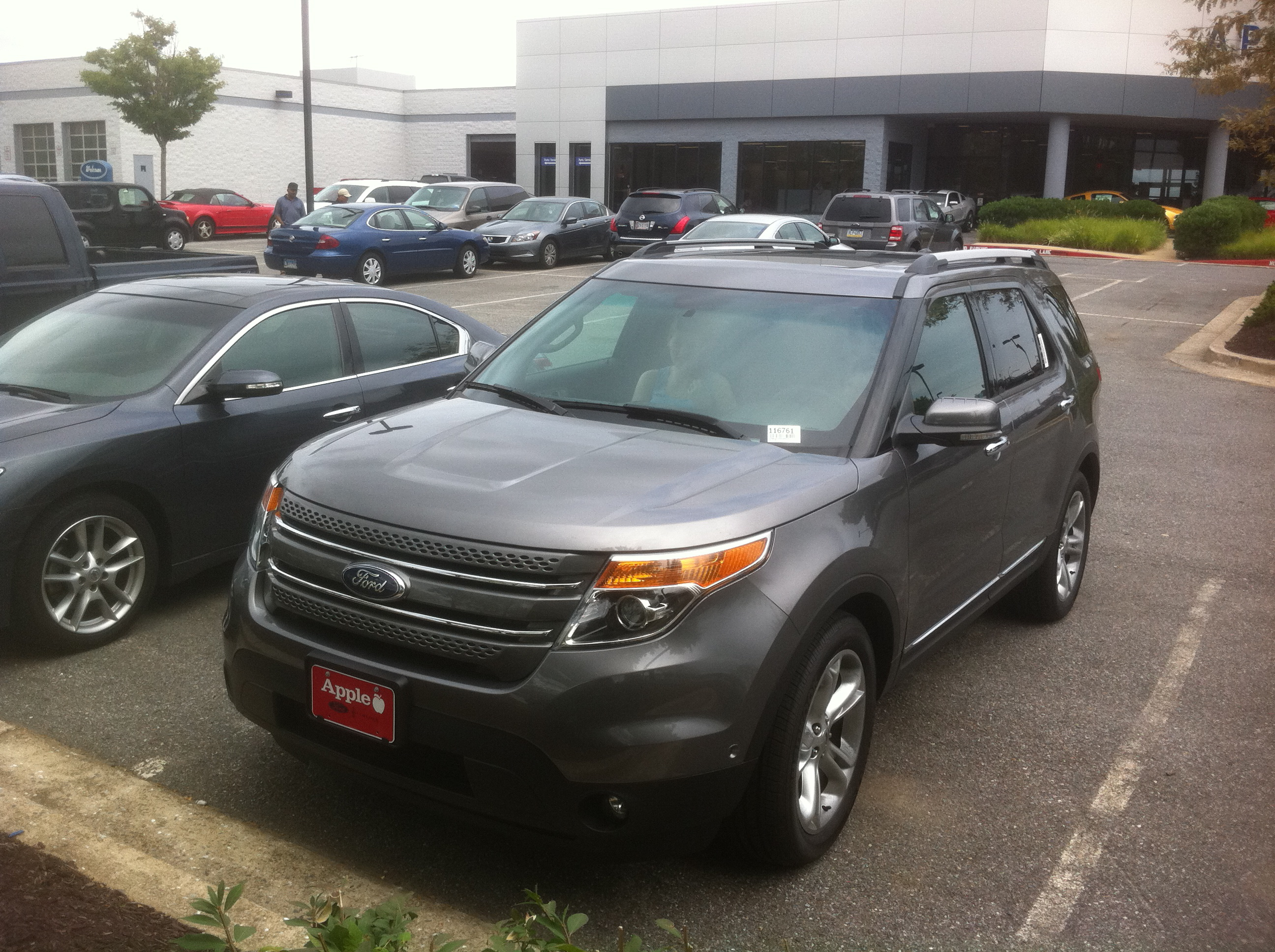 Ford Explorer 2011 - new outside and inside