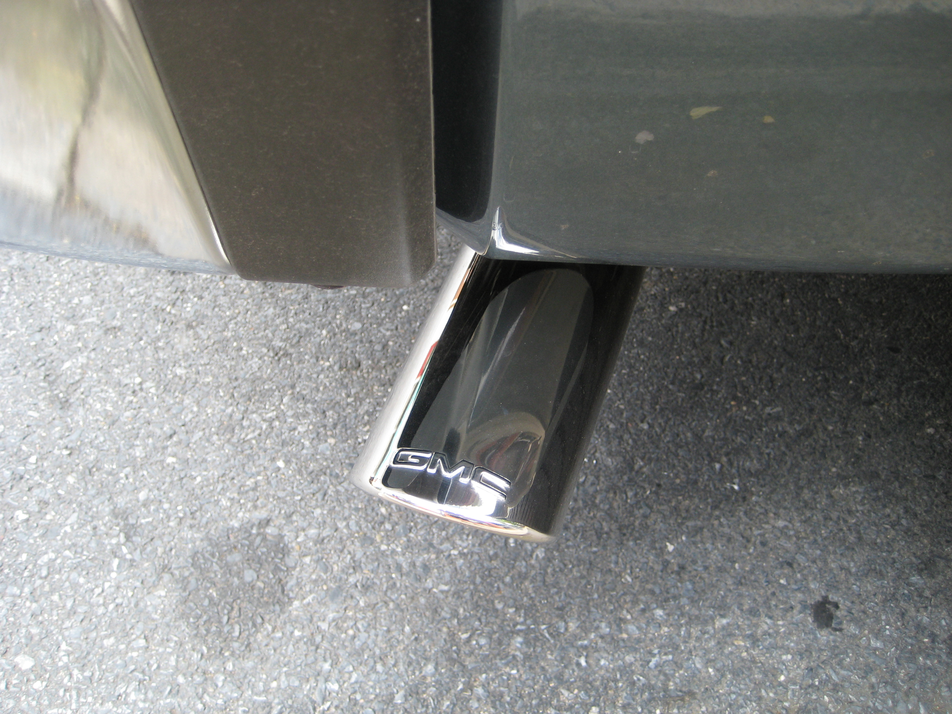 Toyota Sienna Review 2011 GMC Sierra SLE – Exhaust Tip « Road Reality