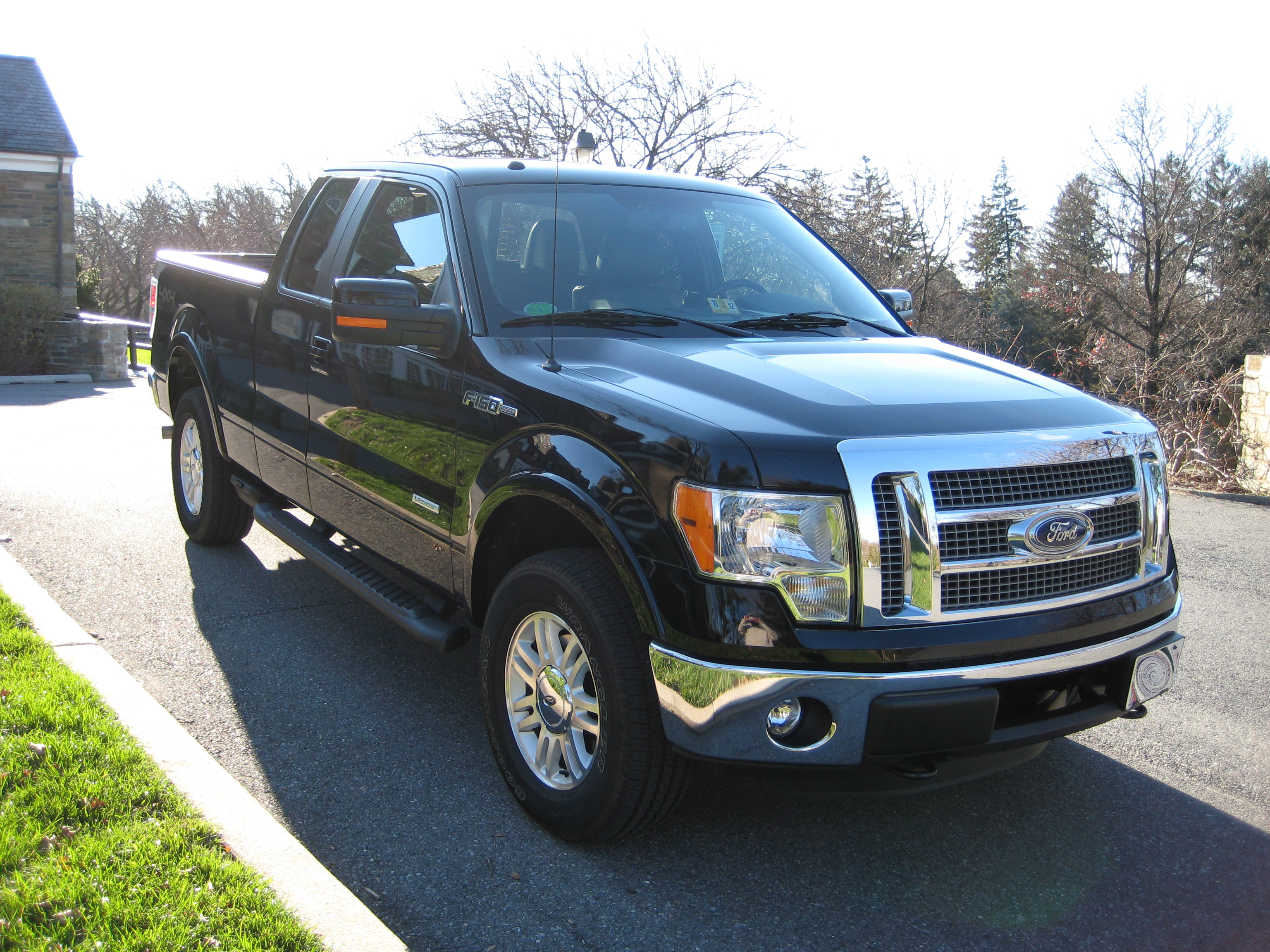 review 2011 ford f 150 ecoboost lariat road reality. Black Bedroom Furniture Sets. Home Design Ideas
