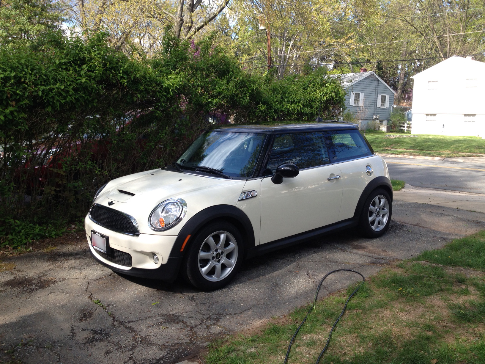 review 2010 mini cooper s hardtop road reality. Black Bedroom Furniture Sets. Home Design Ideas