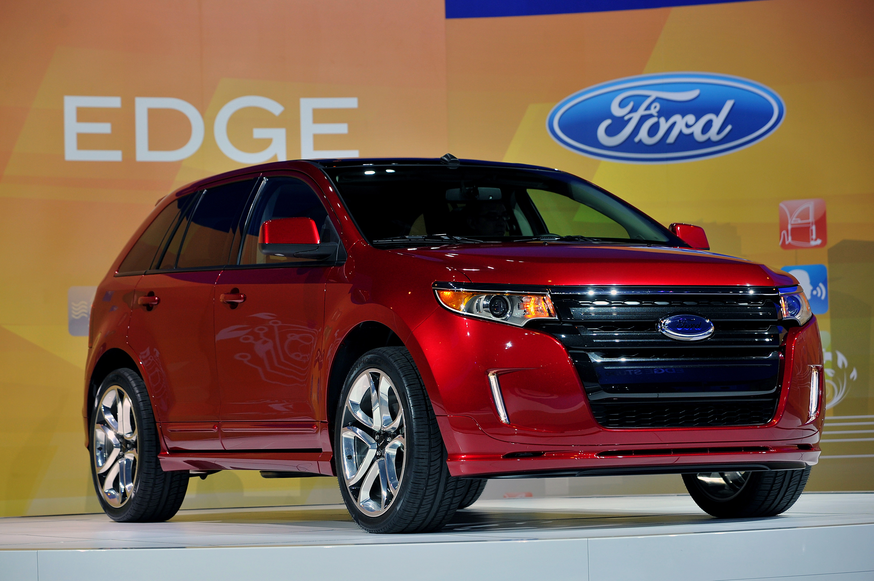 Redesigned 2011 Ford Edge 171 Road Reality